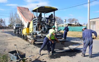 Obras de asfalto en barrios Unexpo y Urquiza de Tunuyán