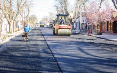 Finaliza la renovación de asfalto en calle Godoy Cruz
