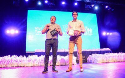 La Municipalidad de Tunuyán entregó más de 700 tablets a estudiantes del último año de secundario